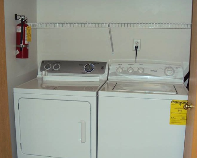 Rae-Matt white washer and dryer units